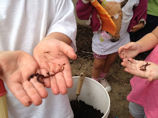 students learn about earthworms and composting