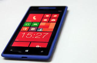 HTC Pangkas Produksi Smartphone di 2013