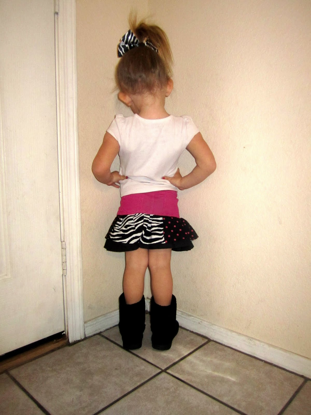 Standing In The Corner : Little girl standing in the corner pictures to pin on