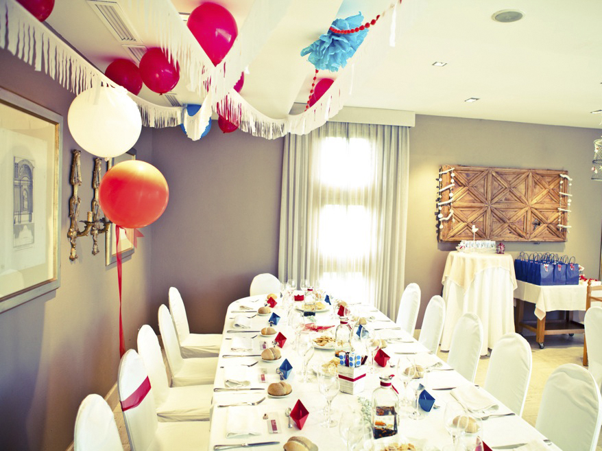 Comuni n tem tica decoraci n de comuniones en valencia happy party - Decoracion de mesas de chuches para comunion ...