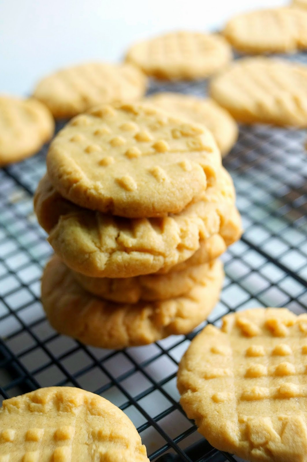 The Best Peanut Butter Cookies! Made with a cake mix and only 3 other ...