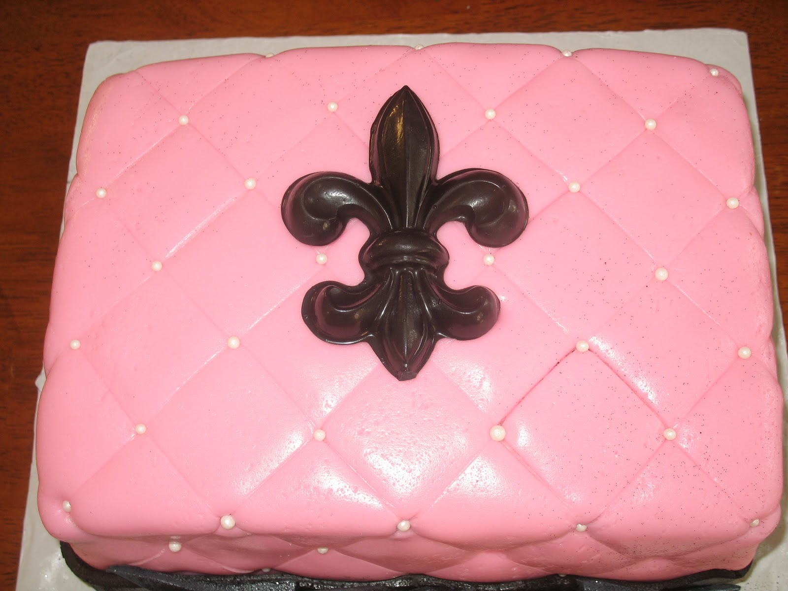 Sweet Creations by Melissa: Quilted Fondant Cake w/Black ...