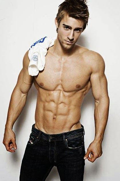 Daily Bodybuilding Motivation: Luke Guldan- Male Fitness Model