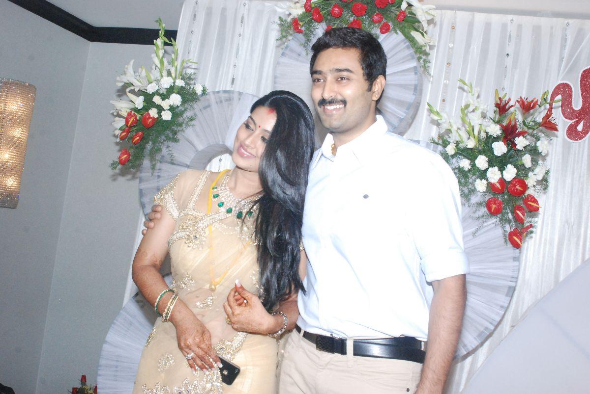 Sneha & Prasanna At Yuva Bharathi Reception Gallery ~ Cinediary