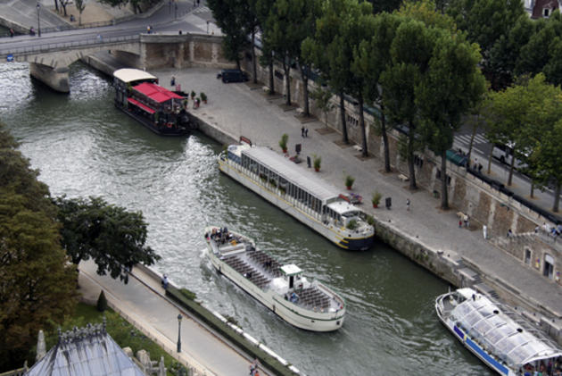 صور رائعة من باريس  Top_10_things_to_do_while_in_paris_bus_boat_tour2