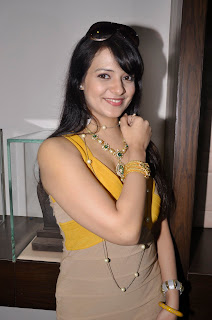 Saloni-Hot-Photos-At-Hiya-Jewellery-Event