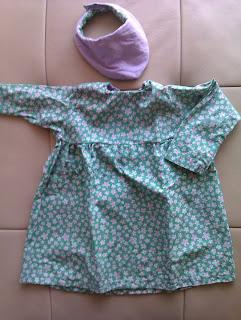 Kjole med bærestykke