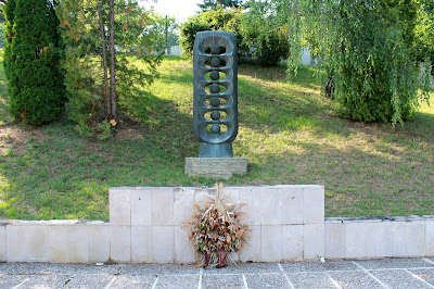 Spomenik strijeljanima u Lukšiću - Petar Barišić, 1983.