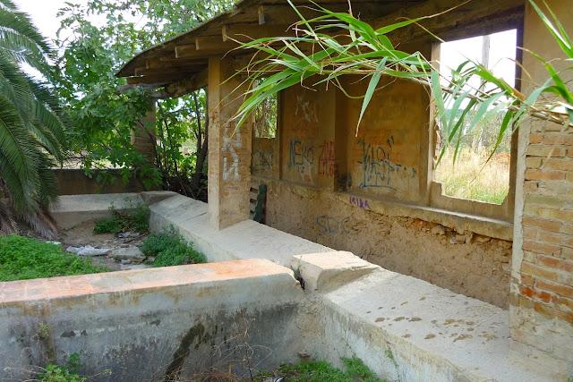 http://www.panoramio.com/photo/98983719
