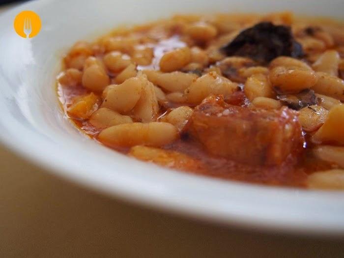 Jud as blancas con chorizo guiso casero recetas de cocina casera recetas f ciles y sencillas - Judias con chorizo y patatas ...