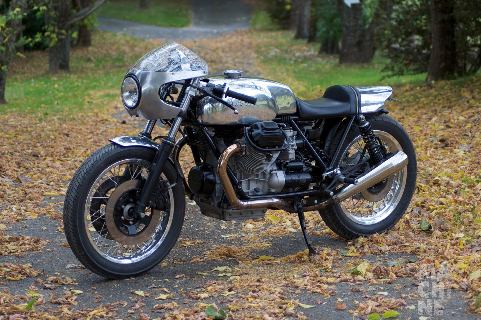 cafe racer special moto guzzi mark 1 le mans by machine. Black Bedroom Furniture Sets. Home Design Ideas