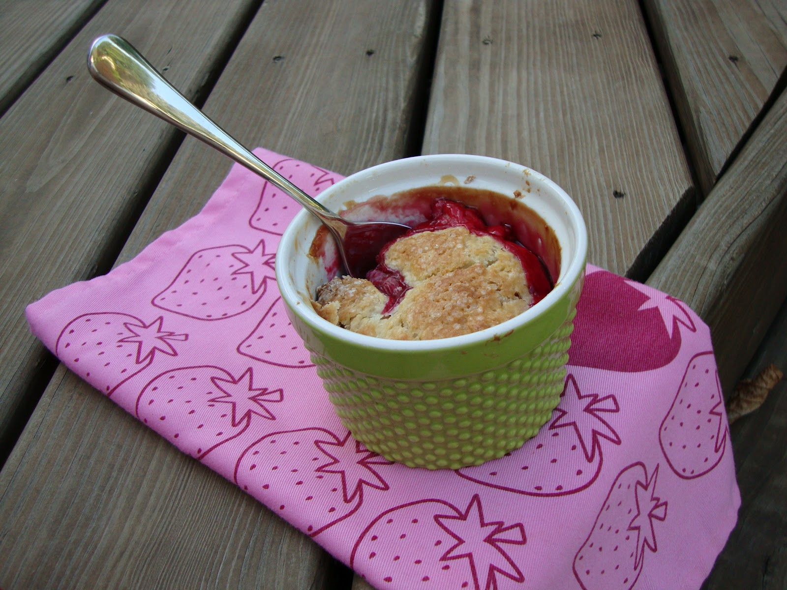 the test nest: Individual Raspberry Cobblers