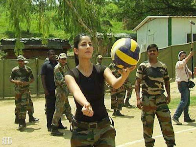 katrina kaif meets jawans on loc