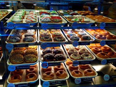 #KKnowinSMSeaside, Krispy Kreme Doughnuts, Krispy Kreme SM Seaside City, SM Seaside City, Original Glazed, Krispy Kreme Philippines,