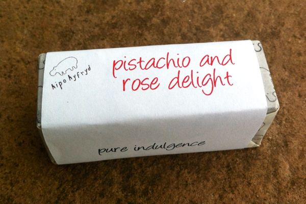 Review: Hipo Hyfryd Pistachio and Rose Delight