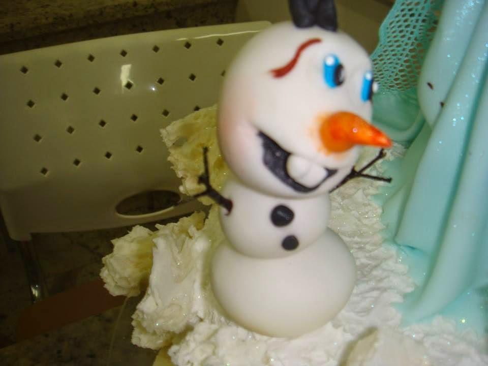 Bolo Frozen com rochas de açúcar! foto: Maravilha Doces © Todos direitos reservados