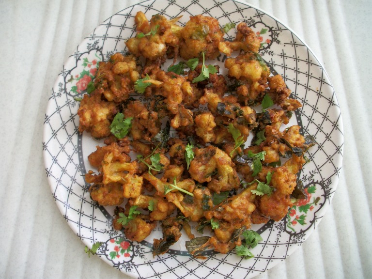 YUMMY TUMMY: Spiced Cauliflower Fry / Quick Gobi Fry