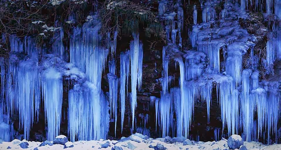 icicles wallpaper - photo #26