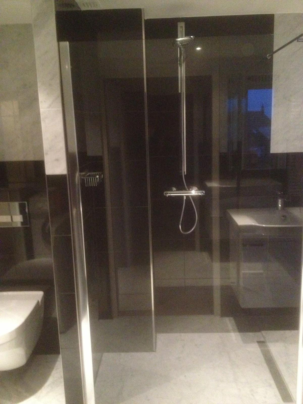 Kleine Badkamer Indeling ~ VanDenBoomBouw Natuurstenen badkamer renovatie