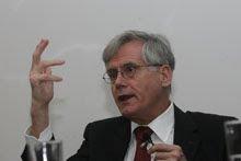 GÜNTHER JAKOBS: Autor da teoria do Direito Penal do Inimigo
