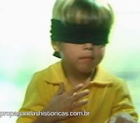 Propaganda da Sadia com menino de olhos vendados. Presunto Sadia, 1984.