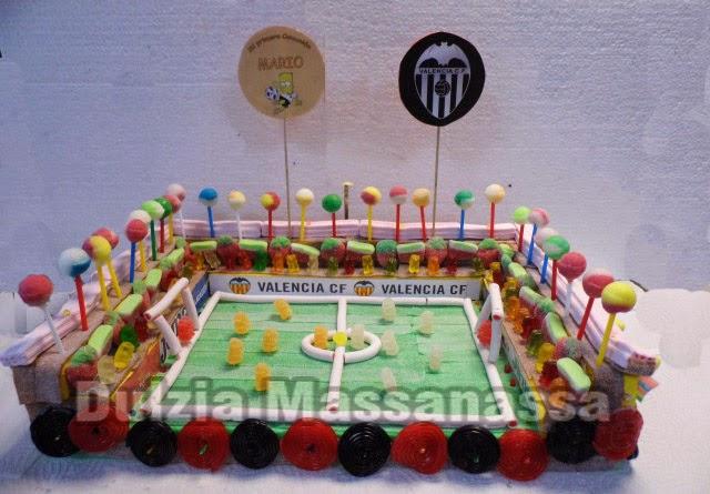 tarta de chuches y golosinas campo futbol valencia dulzia massanassa