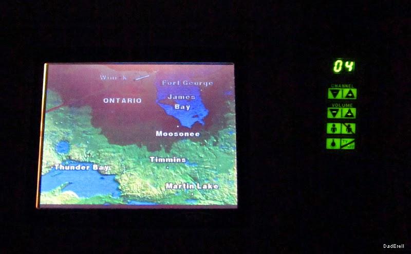 Carte du vol en cours dans un B777 affichée sur un écran vidéo