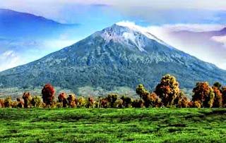 Gunung Kerinci, di Jambi
