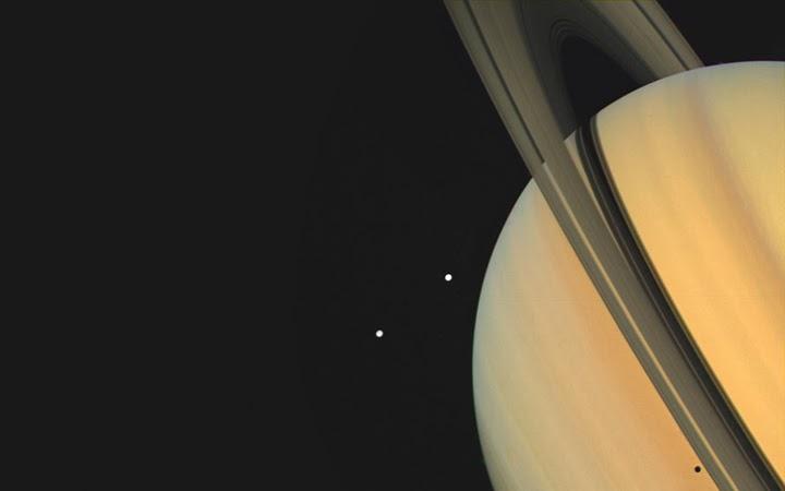 Image of Saturn taken by Voyager 1