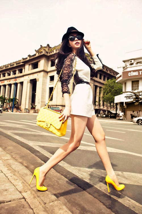 Hình ảnh Hot girl Ngọc Trinh Sài Gòn