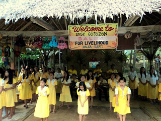 kids singing at Loboc