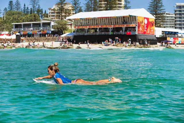 24 Roxy Pro Gold Coast 2015 Coco Ho Foto WSL Kelly Cestari