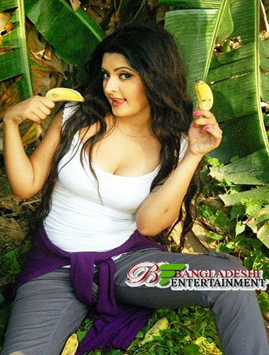 Bangladeshi Film Actress Pori Moni