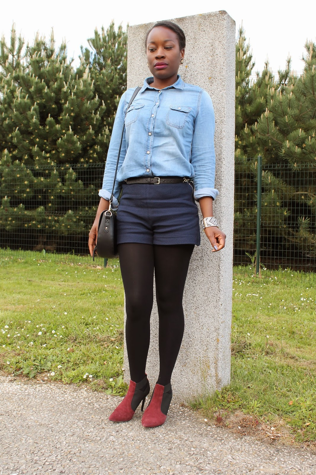 blogmode-tendance-chic-cheveuxcrepus-kinkyhair-fashionblogger-chemiseenjeans-shortchic-zara-h&m-mim-