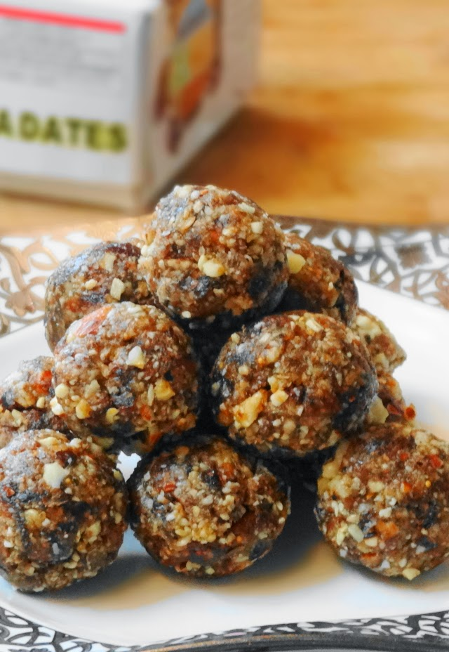 Wheniate india food blog making recipes from all around the world dates and figs ladoo forumfinder Image collections