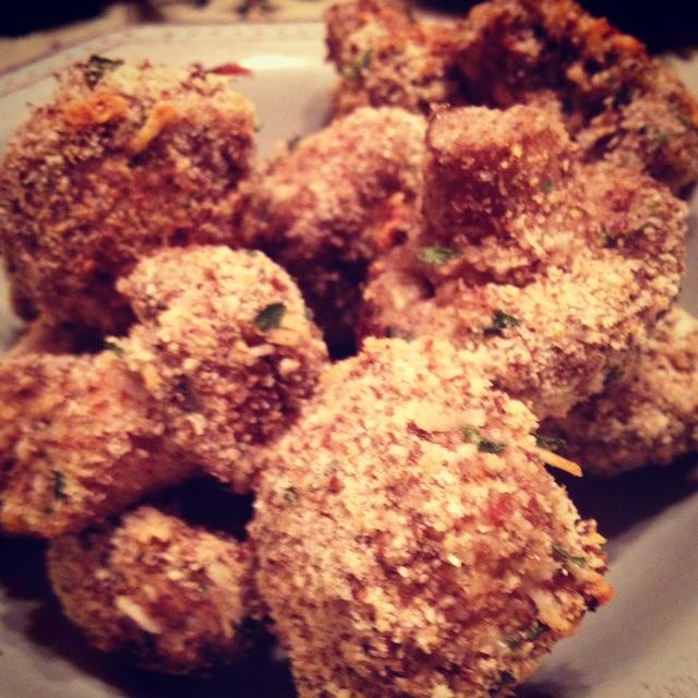 "Clean Eating Crispy Baked ""Fried"" Mushrooms & Our Favorite Stea..."