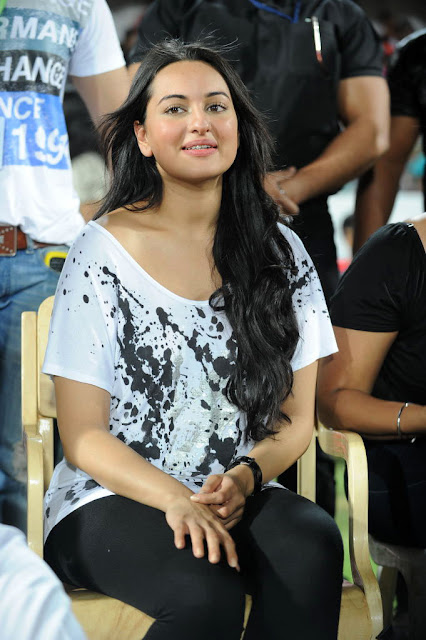 Sonakshi Sinha at CCL T20 Finals Photo Gallery
