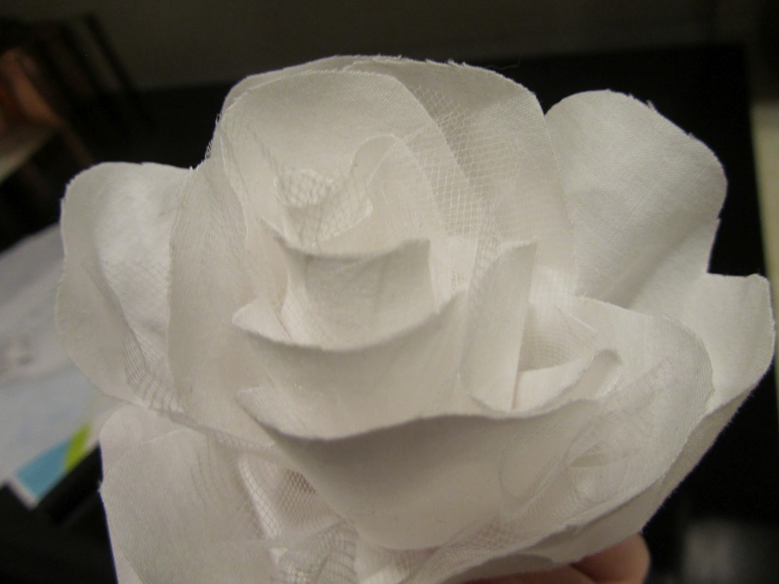 How to Make Five Minute Fabric Flowers Weddingbee
