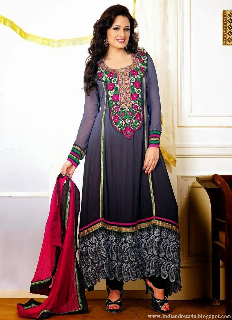 20 Latest Salwar Suit Designs Trending Now In India - StyleCraze 47