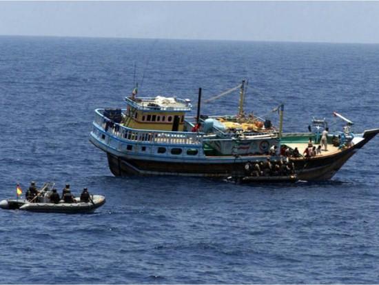 Foto-aksi-perompak-bajak-laut-Somalia