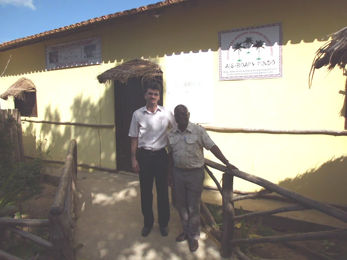 Reunião nas Aldeias Indígenas Tupiniquins e Guaranis - Junho 2012