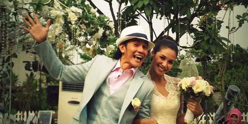Foto Wedding Koleksi Vino G Bastian dan Marsha Timothy