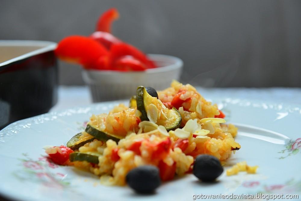 Paella wegetariańska z papryką