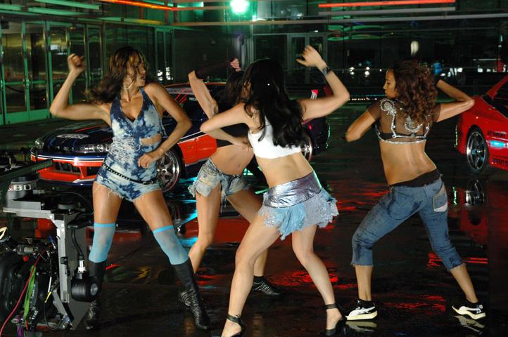 hace mucho que no escuchaba reggaeton y el reggaeton romántico es uno ...