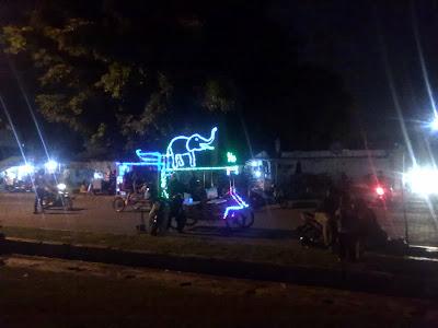 Becak Hias Dengan Lampu-lampu Led di Alkid Solo