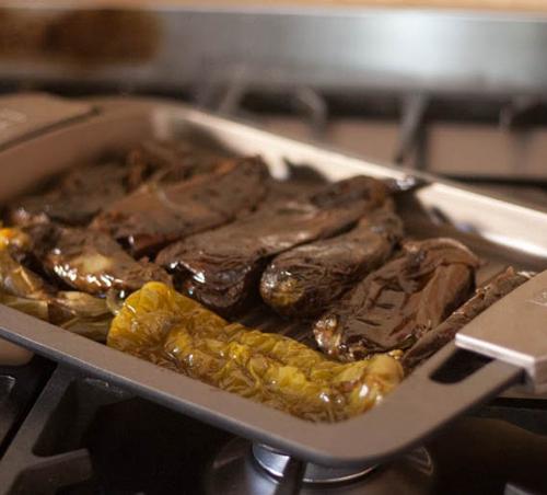Menajeando berenjenas y pimientos asados a la plancha - Cocinar a la plancha ...