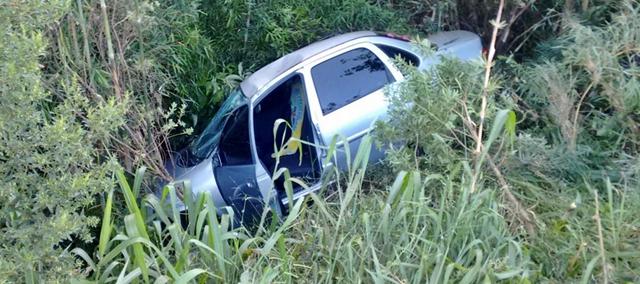 Veículo de Campo Mourão se envolve em acidente na PR-466