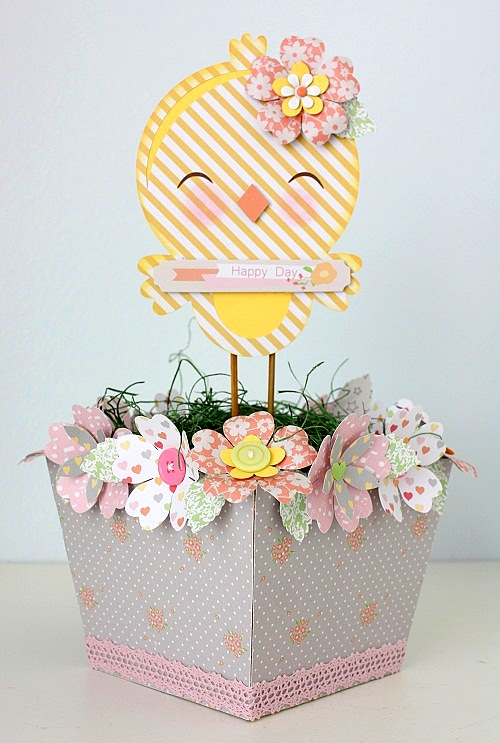 Shellye McDaniel Chickaniddy Twirly Girly Spring Centerpiece