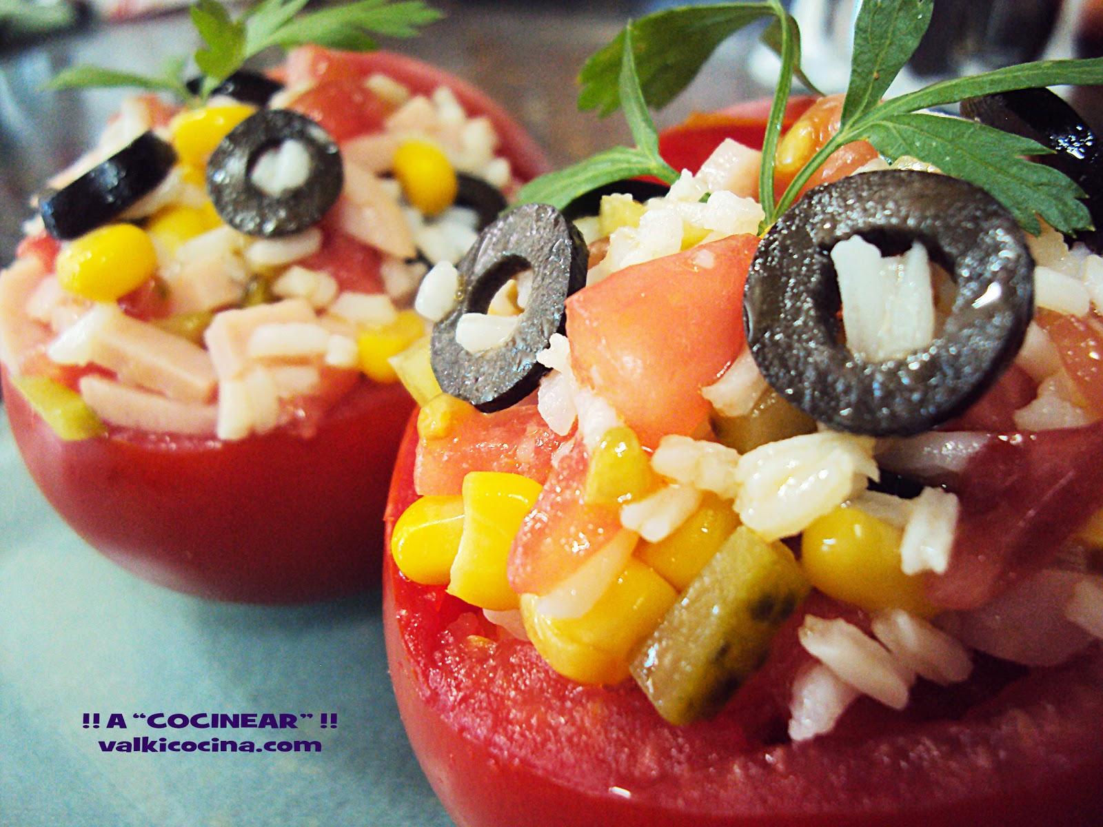 Tomates Rellenos De Ensalada De Arroz