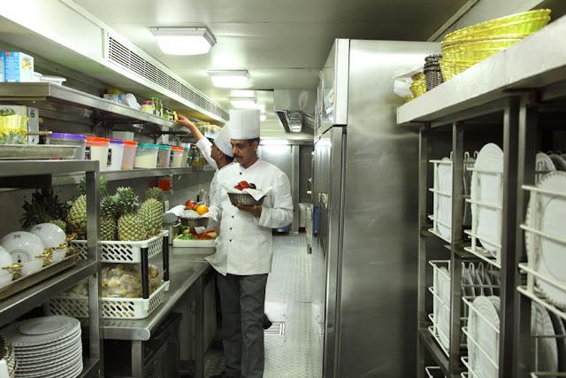 Kitchen Staff, Maharajas' Express